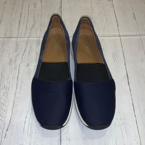 VIONIC NAVY BLUE cameo slip on 8 CLEAN SHOES